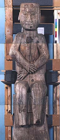 أعمدة الطوطم .. من أشجار الى تماثيل TPole8.jpg